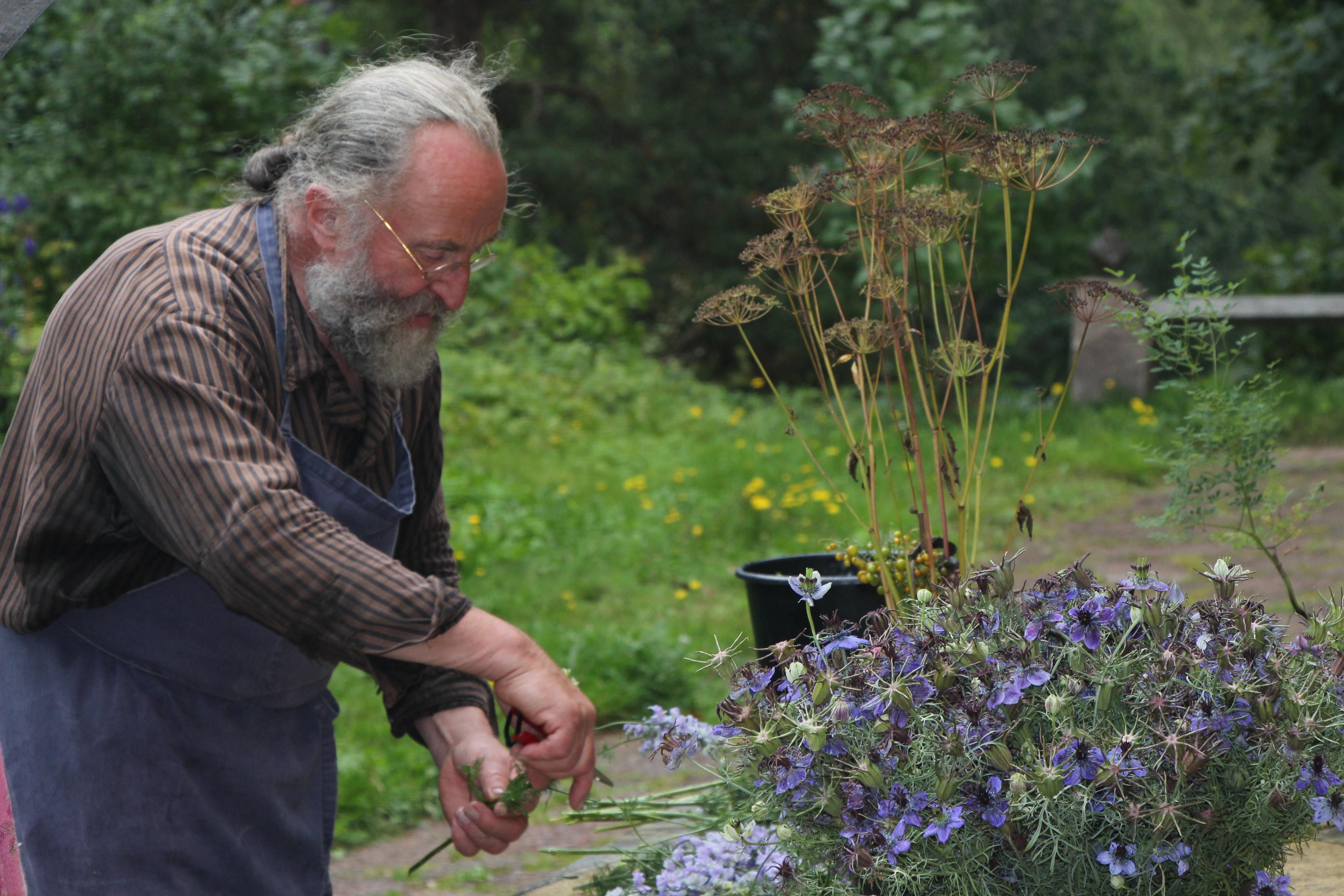 Bilder från aug-resan till Kinnekulle & blomsterkonstnären Tage Andersens Gunillaberg