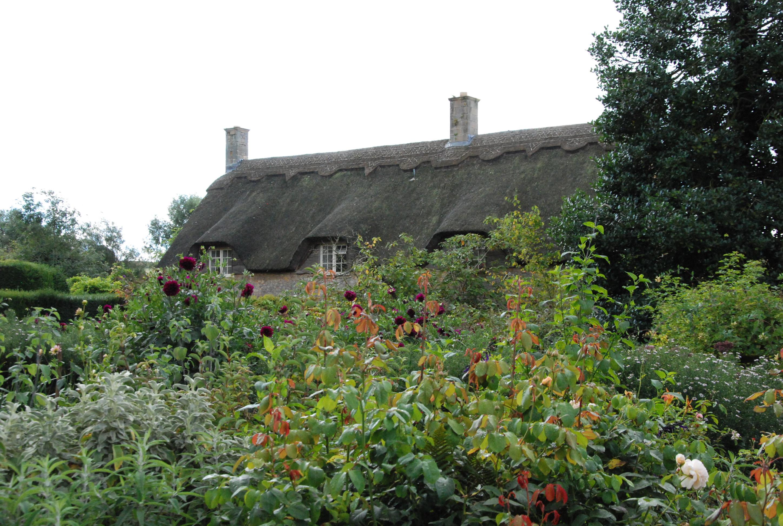 Cotswolds rikblommande trädgårdar
